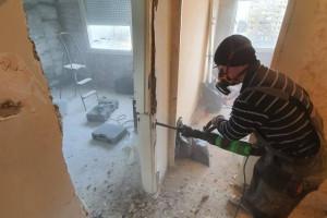 Снимка номер 2 за Къртене на бани Плевен фирма Конструкт, Събаряне на стени, Контейнери за отпадъц