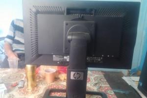 Снимка номер 2 за Монитор и празна котия от компютър с хардиск.