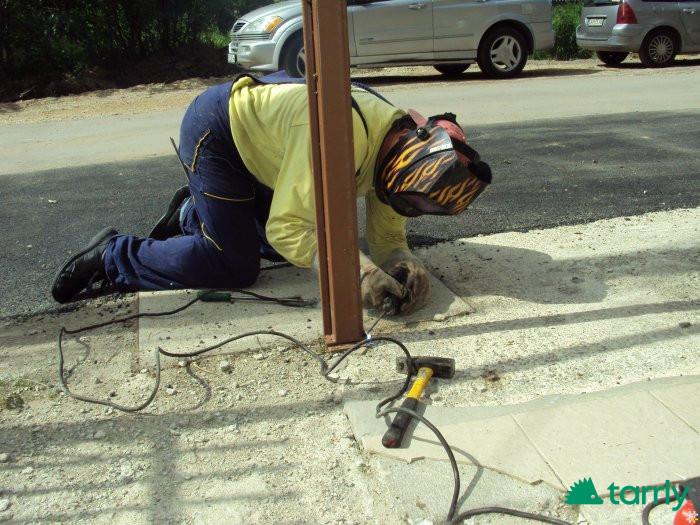 Снимка номер 1 за Майстор заварчик черни тръби предлага своите услуги