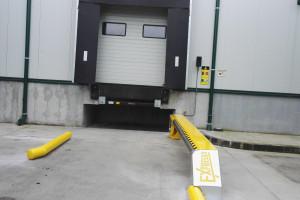 Снимка номер 2 за Доставка , монтаж и ремонт  на:  секционни   врати